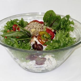 Juustu-puuviljasalat pähklite ja jogurtikastmega 1kg